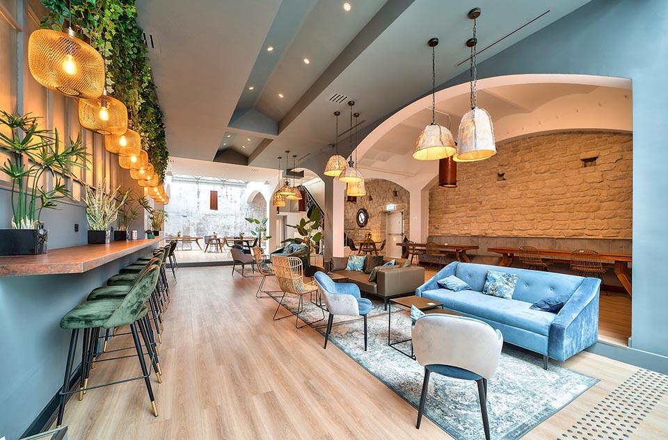 Le b.45 à Clichy 92 accueille startups et indépendants en coworking