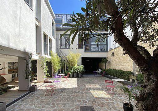 Location d'une cour extérieur pour les événements pro à Clichy.